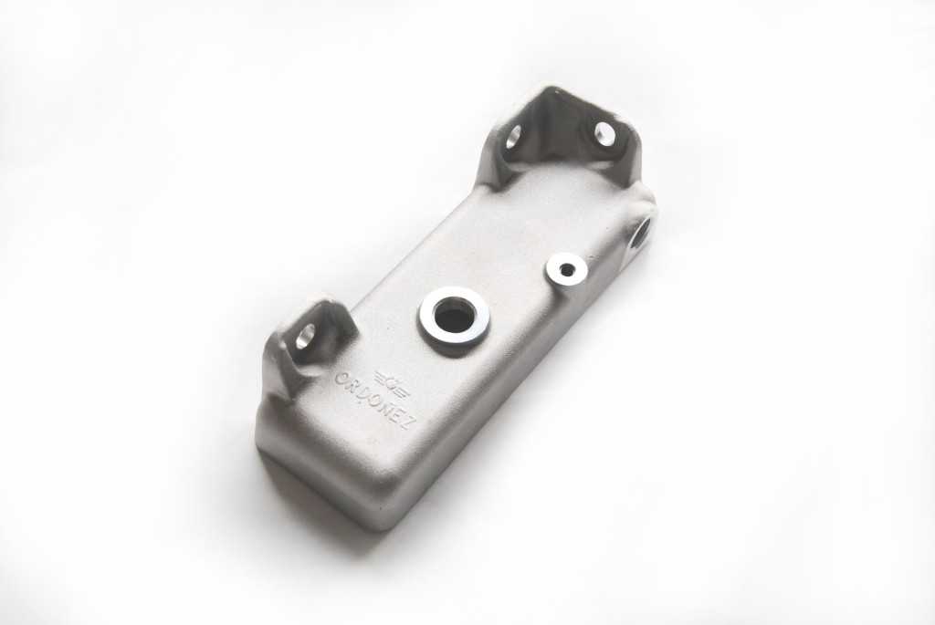 Depósito para automoción forjado en aluminio