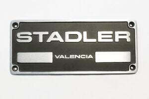 Placa identificación forjada en aluminio sector Ferroviario